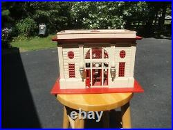 Lionel 115 Station Pre War or Post War Cream and Red (1935- 1949)