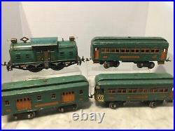 Lionel Prewar Standard Gauge # 10 Diesel With 332,339,341 Passenger Cars