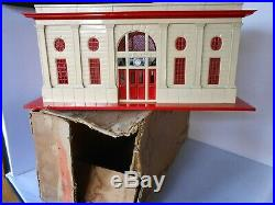 Lionel prewar 116 large passenger station in late colors and OB C7 Exc beauty