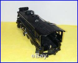 Lionel prewar steam engine #225, black, looks & runs great