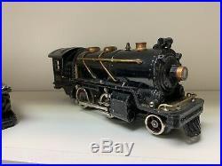 Nice Lionel 262T O Gauge Engine, 3 Passenger cars (613- 614 613). Pre-war