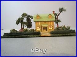 Vintage Prewar Lionel No. 912 Suburban Home Scenic Plot With 189 Mustard Villa